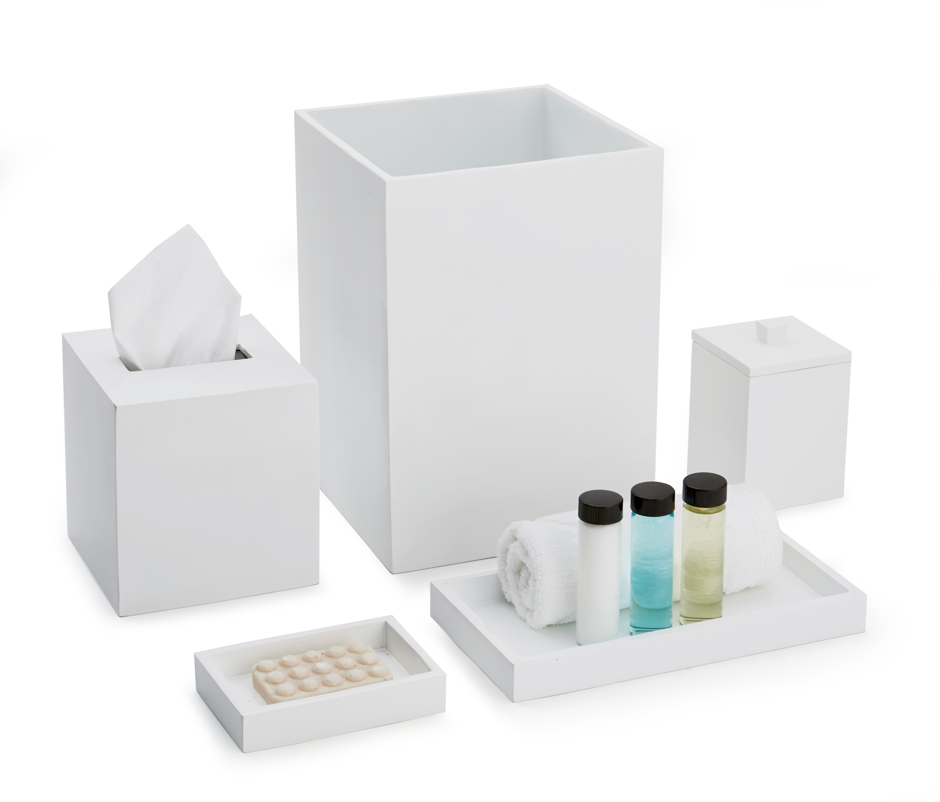 Delta White Bath Set image
